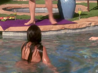 Anal sex in threesome by the pool is the favorite sex game for amazing Jayna Oso