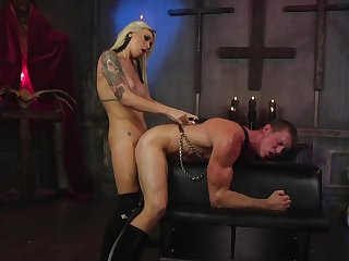 Muscular hunk plays submissive for the slutty shemale