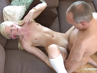 Ponytailed blonde fucked and cummed over